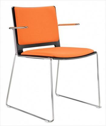 Jídelní plastová židle FILO, s područkami, čalouněná Alba